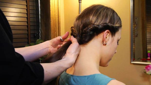 ZU. How to Create a Formal Updo Promo Image
