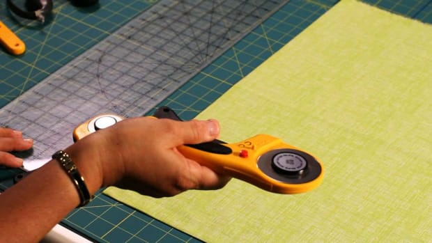 K. How to Use a Rotary Cutter When Quilting Promo Image