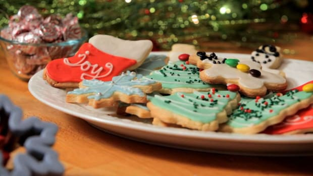 D. How to Decorate Holiday Cookies Promo Image