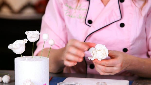 Z. How to Add Outer Layer of Peony Sugar Paste Flower Petals Promo Image