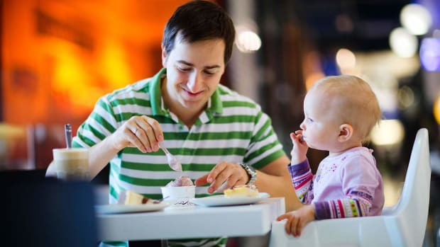 B. Top 10 Tips for Eating Out with a Toddler Promo Image