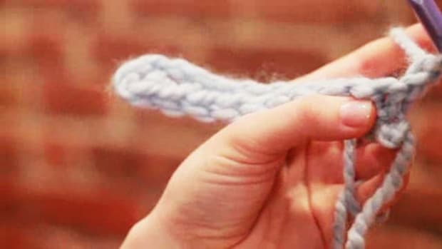 Z. How to Turn at the End of a Row of Crochet Stitches Promo Image