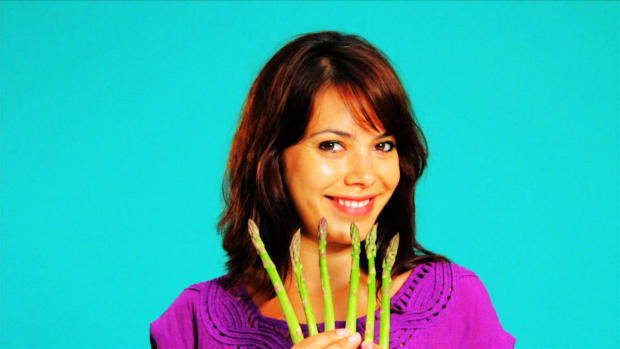 T. Quick Tips: How to Trim Asparagus Promo Image