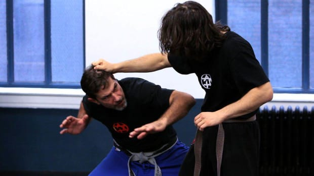 ZI. How to Defend against Side Hair Grab with Pull in Krav Maga Promo Image