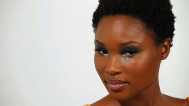 W. How to Do Party Makeup on Your Lips for Black Women Promo Image