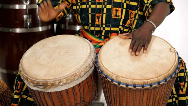 Q. How to Play 2 Djembe Drums Together Promo Image