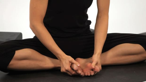 ZG. How to Do a Cobbler's Pose (Baddha Konasana) in Yoga Promo Image