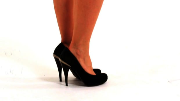 K. How to Wear High Heels during Pregnancy Promo Image