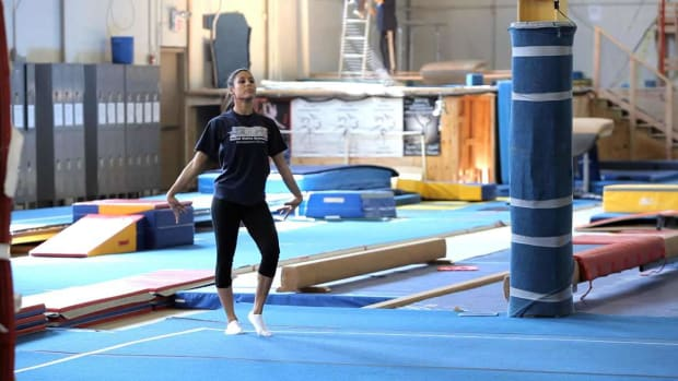 M. How to Do a Gymnastics Floor Routine Promo Image