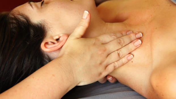 H. How to Give a Deep Tissue Neck Massage Promo Image
