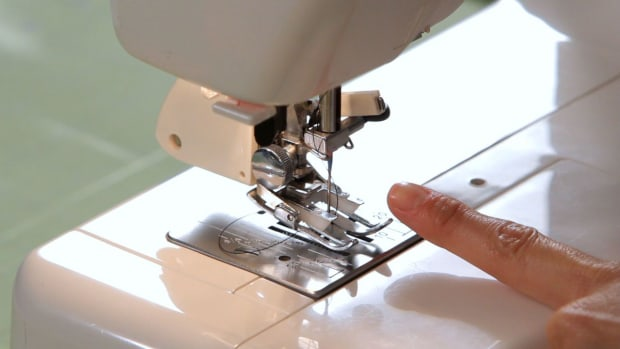 M. How to Use a Walking Foot Attachment on a Sewing Machine Promo Image