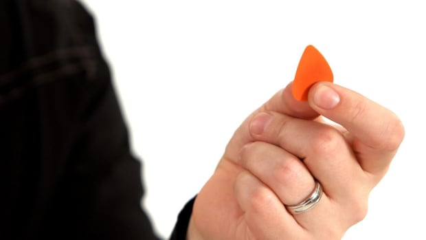 ZH. How to Choose a Guitar Pick Based on Shape, Size & Thickness Promo Image