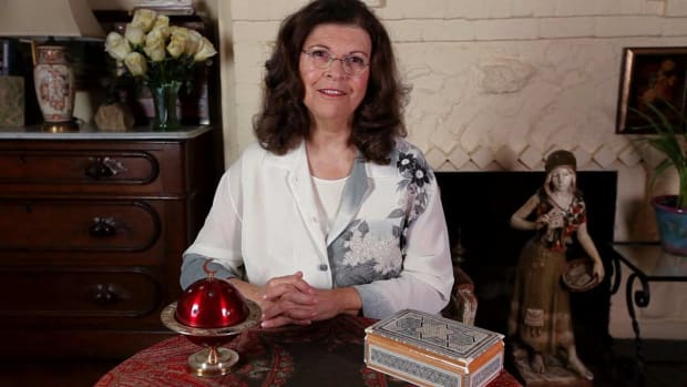 ZZA. Tarot Card Reading with Ellen Goldberg, M.A. Promo Image