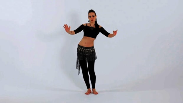 T. How to Do a Reverse Horizontal Figure 8 in Belly Dancing Promo Image