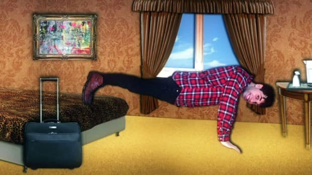 ZB. Health to Go: How to Do Killer Push-Ups in a Hotel Room Promo Image