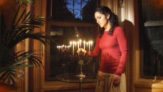 N. How to Light the Hanukkah Menorah Promo Image