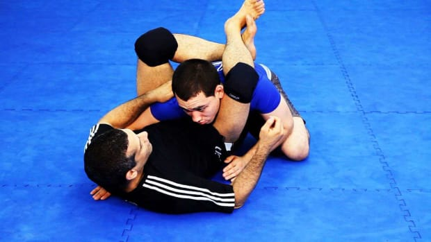 ZZC. How to Do the Triangle Choke in MMA Fighting Promo Image