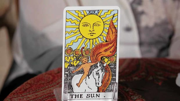 ZJ. How to Read the Sun Tarot Card Promo Image