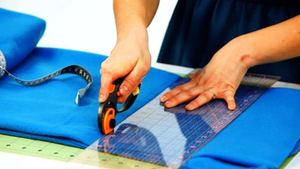V. How to Cut Fabric for a No-Sew Fleece Blanket Promo Image