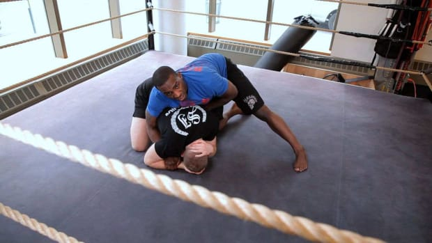 S. How to Do a Rolling Calf Crush from Turtle Leg Lock Promo Image