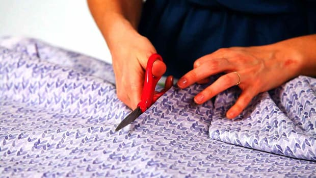 ZB. How to Measure & Cut for a No-Sew Pillow Promo Image