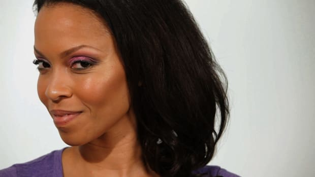 N. How to Apply Pink Eye Shadow for Black Women Promo Image