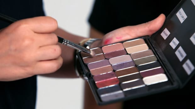 Z. 7 Asian Eye Makeup Tips Promo Image