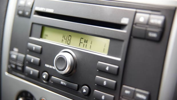 Y. 2 DIN Car Radio Buying Tips Promo Image