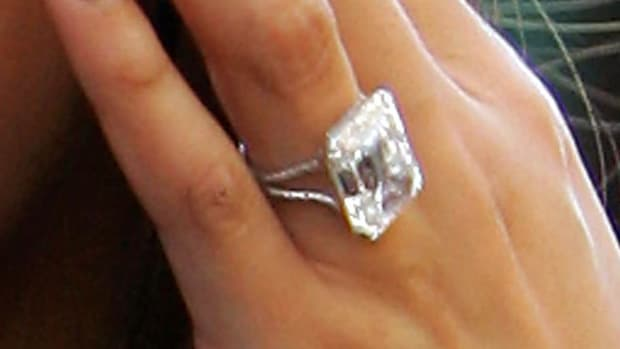 ZR. How to Get an Engagement Ring like Beyonce's Promo Image