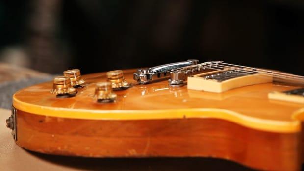 K. Gibson Les Paul & Gibson Les Paul Custom Promo Image
