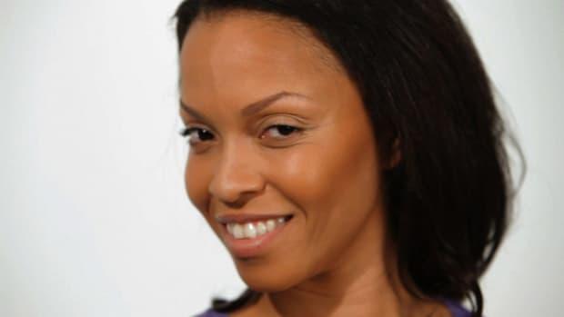 I. How to Apply Bronzer to Black Skin Promo Image