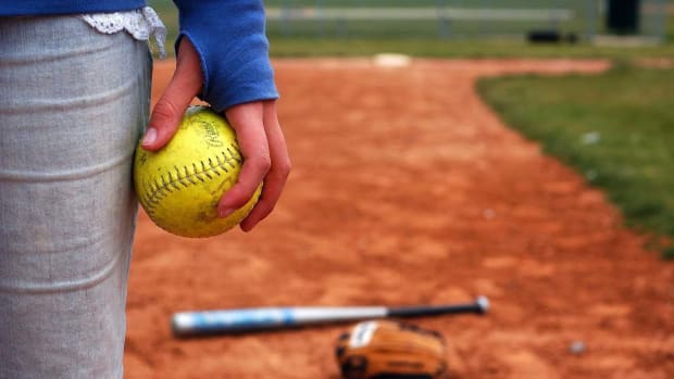S. How to Throw a Pitch in Fast-Pitch Softball Promo Image