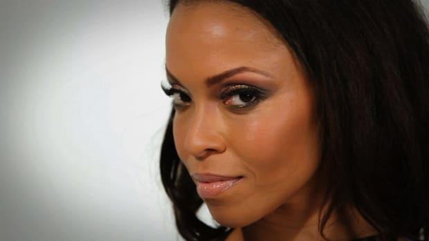 U. How to Do Your Makeup like Beyonce Promo Image