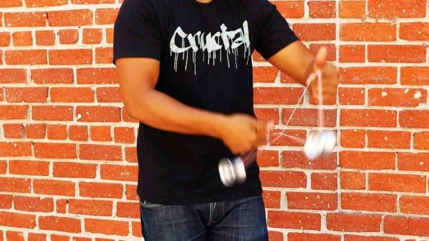 Y. How to Do the Double Trapeze Yo-Yo Trick Promo Image