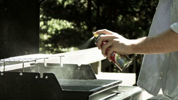 F. Quick Tips: How to Avoid Food Residue on Your Barbecue Promo Image