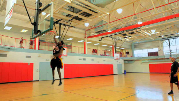 A. How to Do a 360 Dunk in Basketball Promo Image