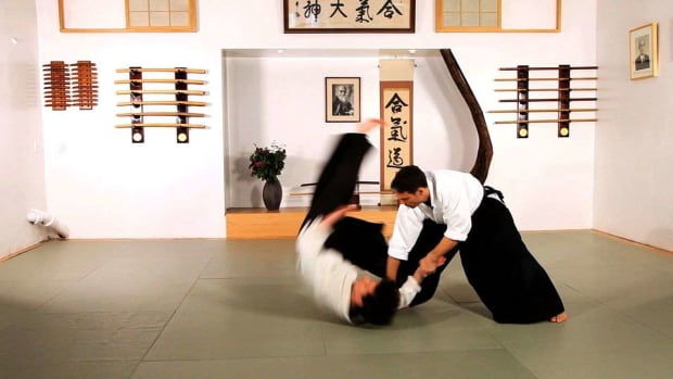 R. How to Do Sumi Otoshi in Aikido Promo Image
