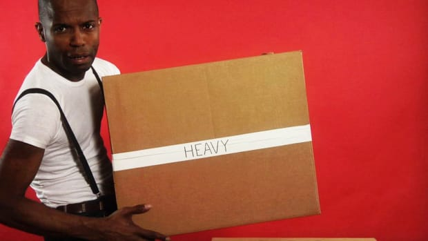 ZZL. Quick Tips: How to Carry a Heavy Cardboard Box Promo Image