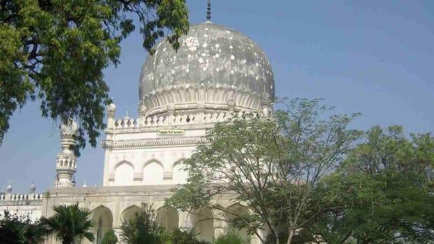 A. Top 4 Neighborhoods to Visit in Hyderabad Promo Image