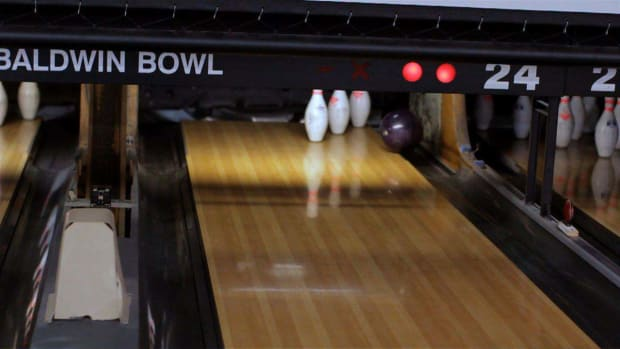 ZA. How to Troubleshoot Bad Bowling Aim Promo Image