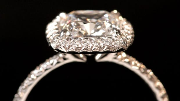 ZE. How to Create a Custom Engagement Ring Promo Image