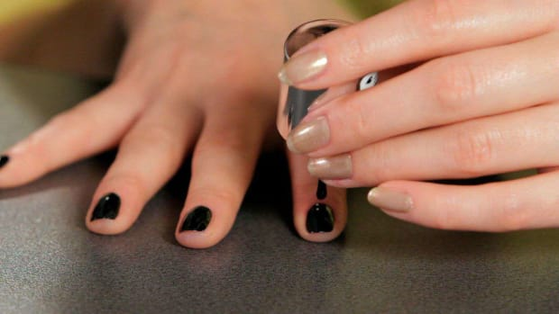 E. How to Do a Black Nail Art Design Promo Image