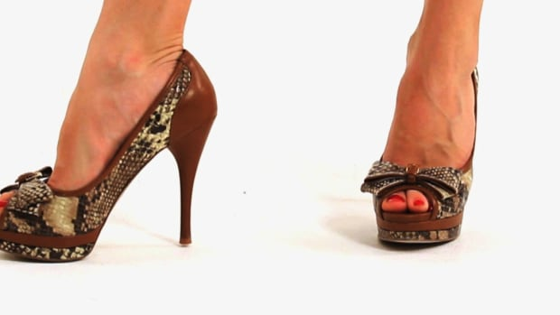 B. How to Avoid Heel Pain from Wearing High Heels Promo Image