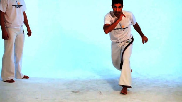 R. How to Do the Chapeu de Couro in Capoeira Promo Image