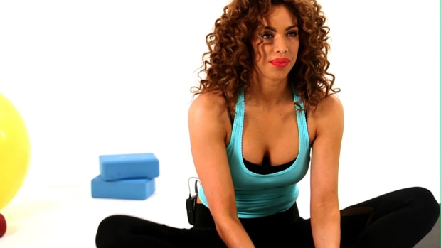 ZI. How to Do a Seated Butterfly Stretch Promo Image