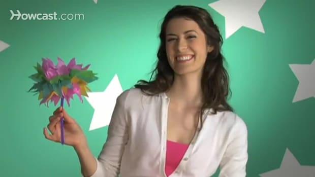 ZL. كيف تصنع أزهارا من الورق الشفاف Promo Image