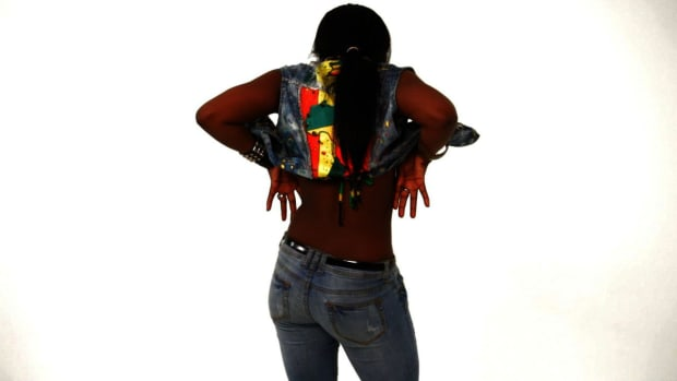 ZH. How to Do the Egyptian Wine in Reggae Dancehall Promo Image