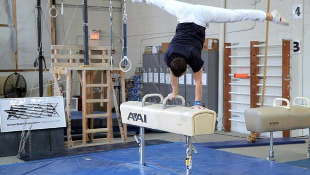 ZI. How to Do a Pommel Horse Routine Promo Image