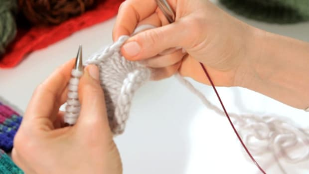 ZG. How to Do a Stretchy Bind Off in Knitting Promo Image