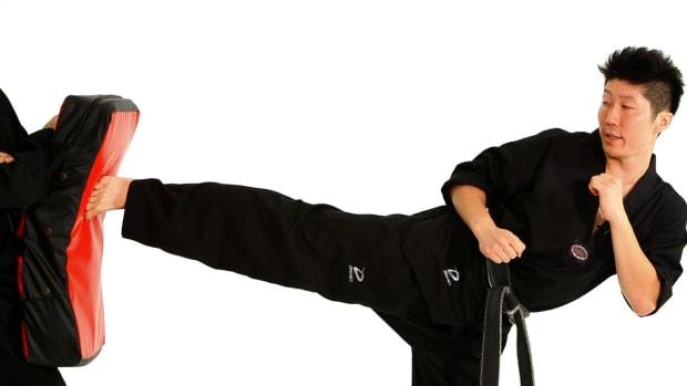 K. How to Do a Side Kick in Taekwondo Promo Image